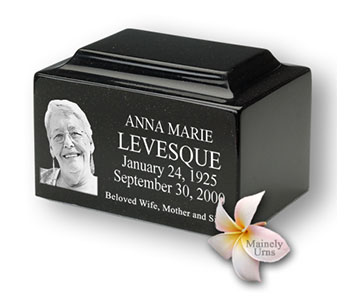 http://www.bunkerfuneral.com/wp-content/uploads/2014/04/Medium-Black-Granite-Cremation-Urn-with-Engraved-Photo.279182219_large-edited.jpg