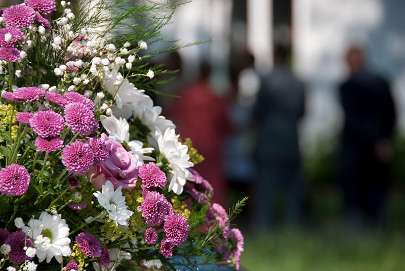 Close Friends And Business Ociates Of The Family Deceased May Want To Send Flowers Express Their Condolence Some Best Options For