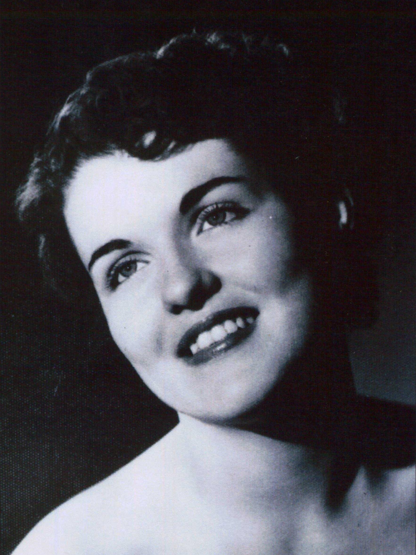 Eloyce Fuller Hollingshead